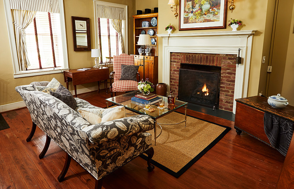 Federal Home sitting room